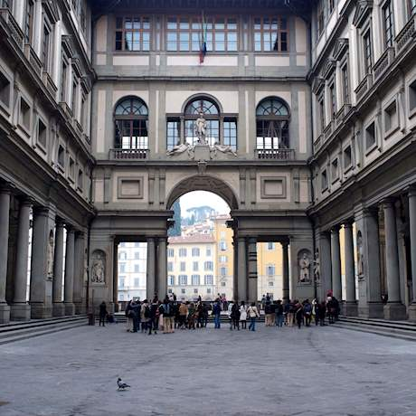 Uffizi Gallery's Courtyard daylight