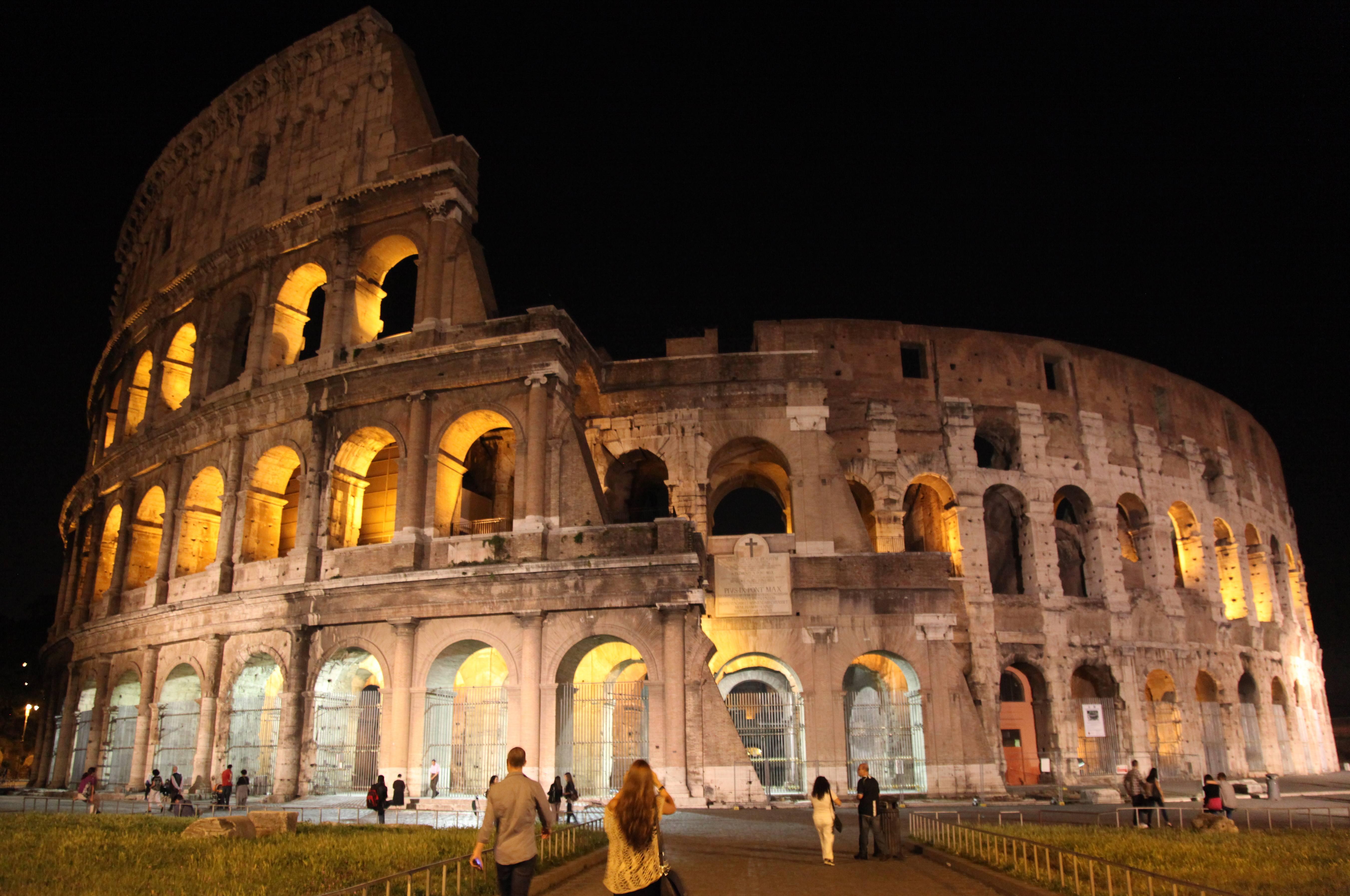 Colosseum Night Tour & Ticket