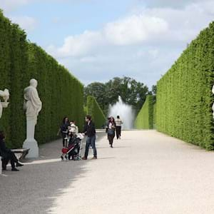 Versailles Palace Garden Group