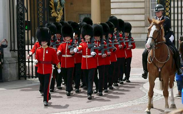 Changing Guard London