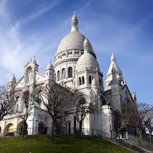 Sacre Coeur side view by day