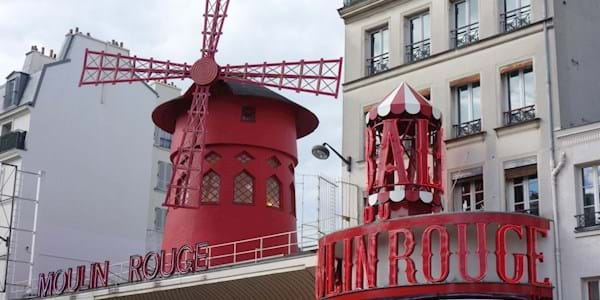 moulin rouge angle view by day