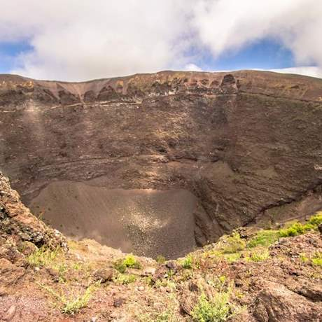 Mt Vesuvius Crater close up