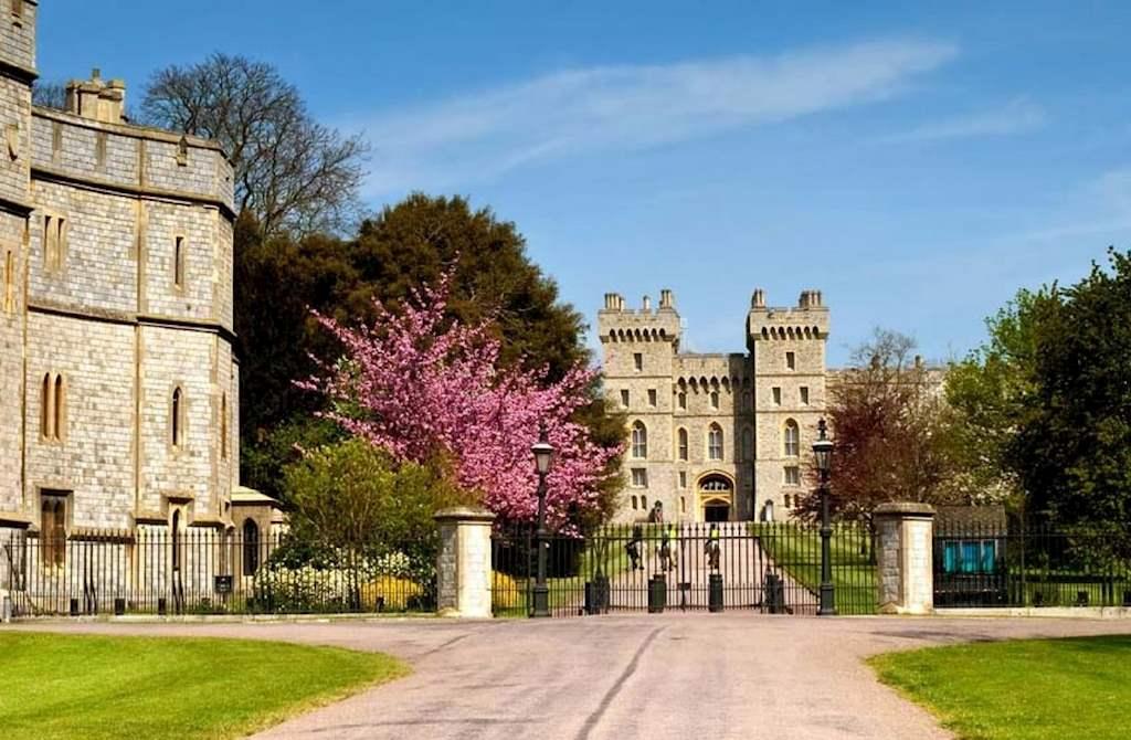 best london sights windsor castle tour city wonders. Black Bedroom Furniture Sets. Home Design Ideas