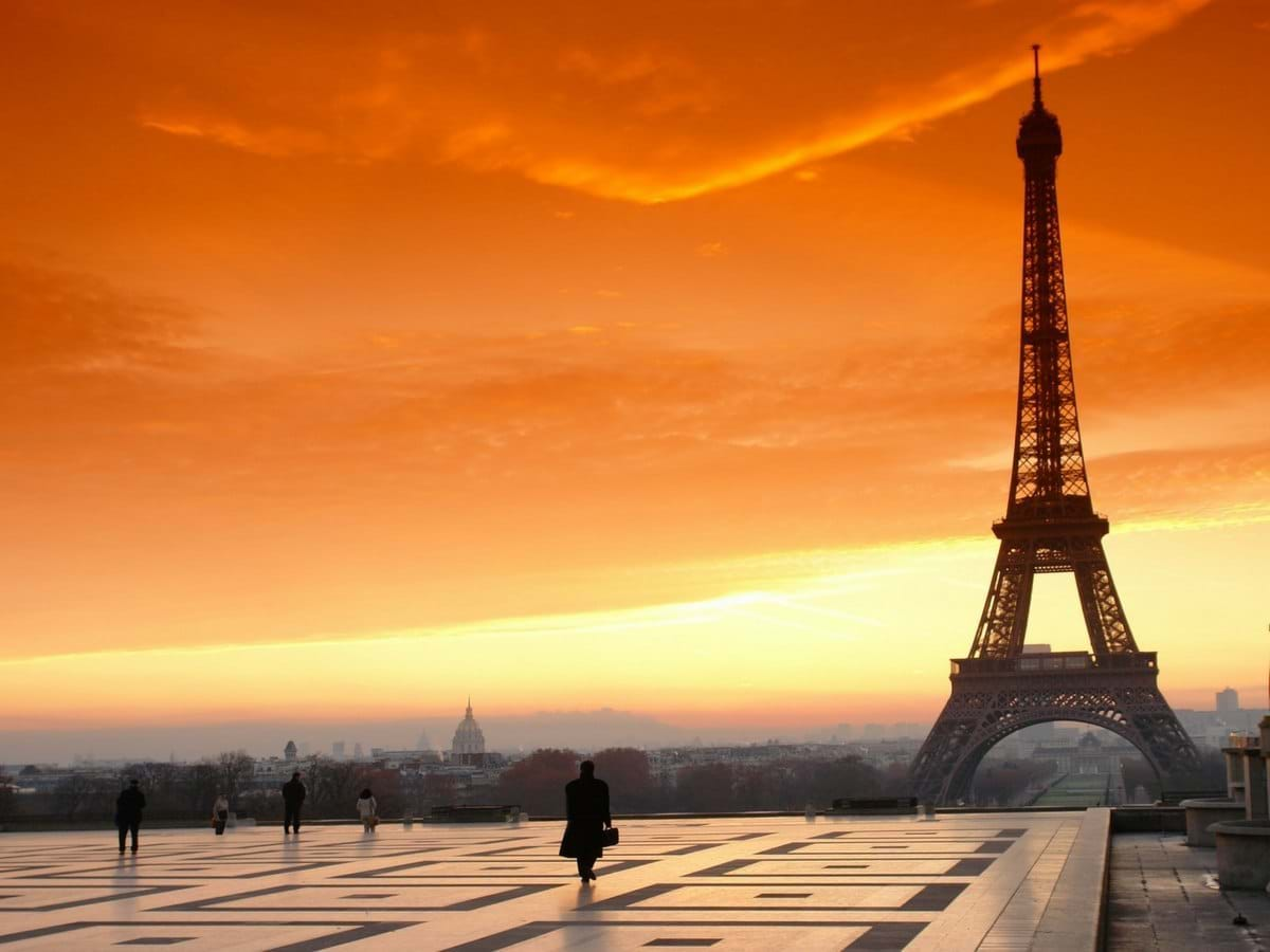 skip the line eiffel tower sunset tour city wonders