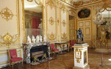 versailles kings apartments