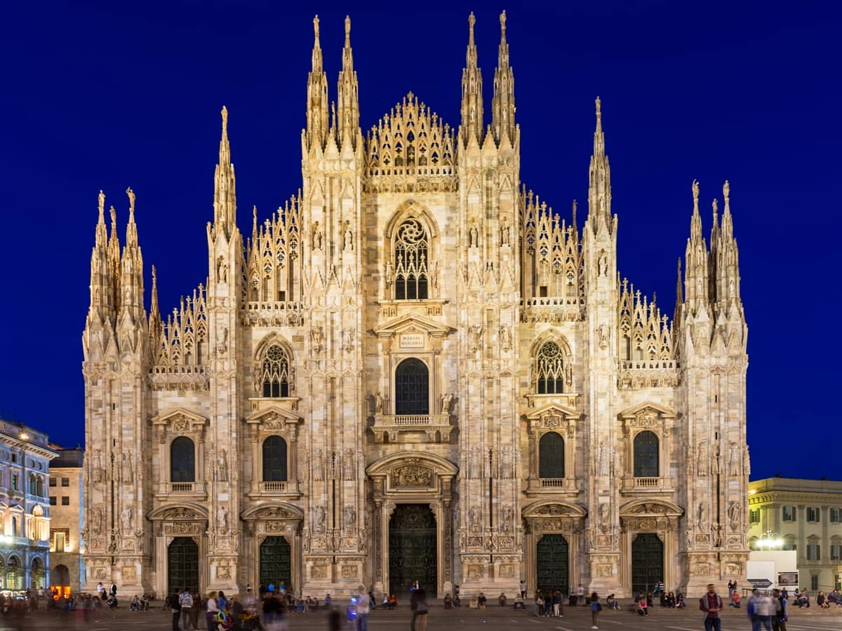 Milan Night Tour With Rooftop Aperitive City Wonders