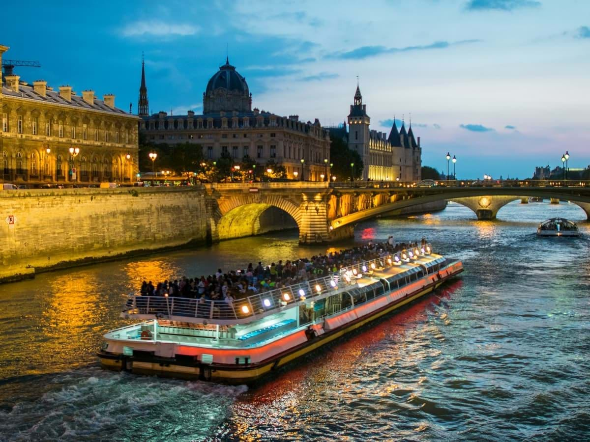 Seine River Cruise And Eiffel Tower Tour